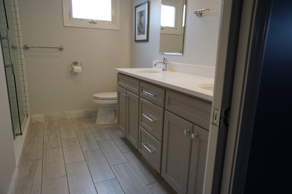 Bathroom remodeling company beautiful renovations for Remodeling contractors chicago