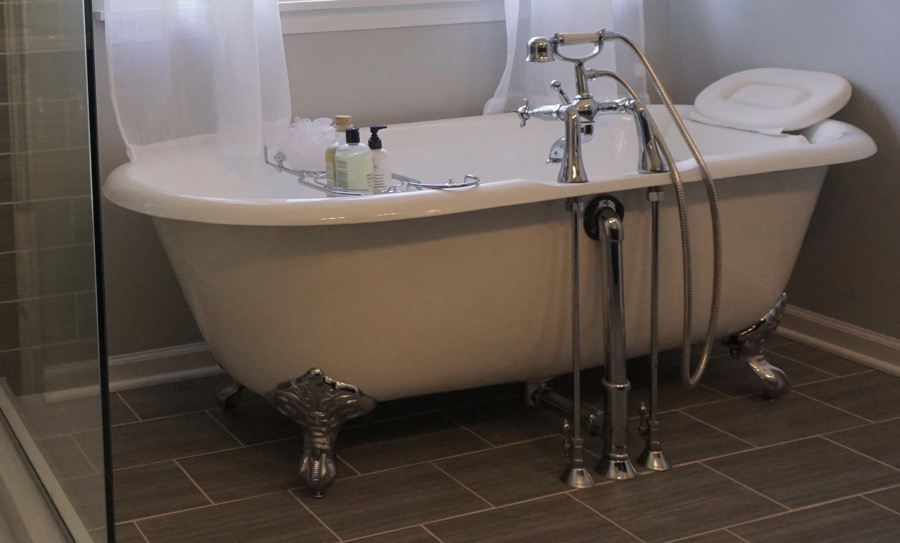 Telephone Tub Bathroom Contractors - Chicago Suburbs